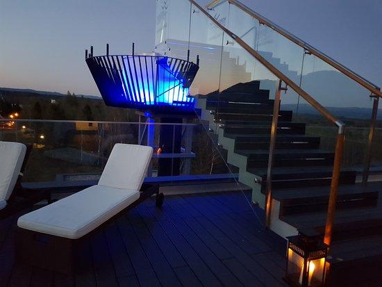 Stara Lesna, Slowakije: Outside jacuzzi in Sky Lounge