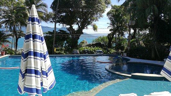 Porto Pacuiba Hotel: Vista da piscina externa aquecida