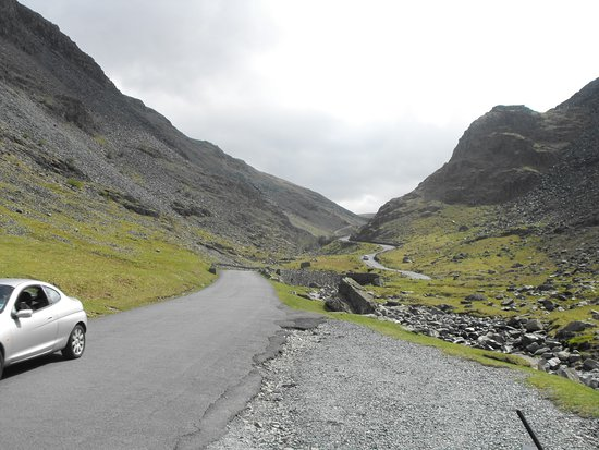 B5289 descending from Honister Pass - Picture of B5289 Road ...