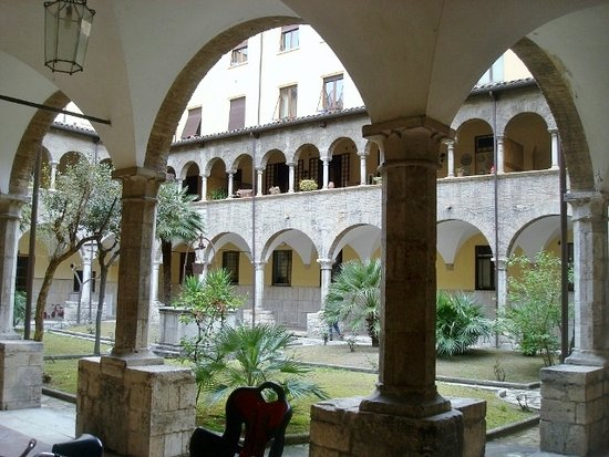 Chiostro Maggiore di San Francesco