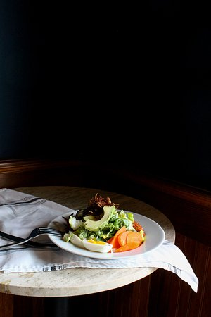 The Pub at Shelburne Hotel: Cobb Salad