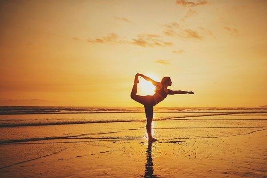 Esterillos Este, Costa Rica: Beach Sunset Yoga Sessions.