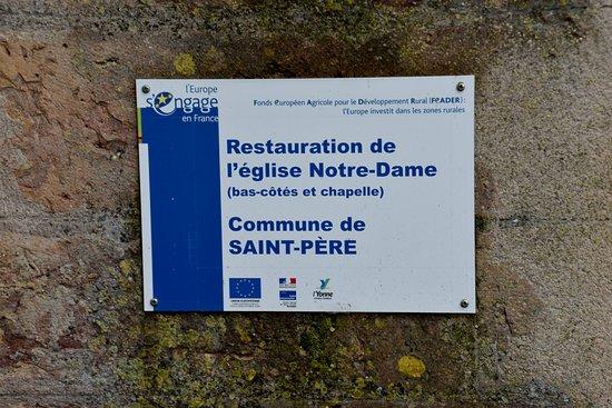 Saint-Pere, فرنسا: restoration plaque