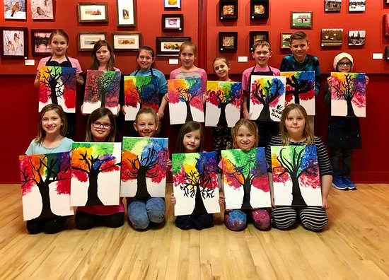Beaverlodge, Canada: Children's Paint Classes
