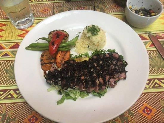 Topolo: Wasabi / Black sesame crusted Tuna steak.