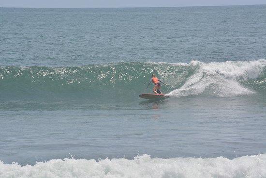 El Zonte, El Salvador: The Waves of Sunzal