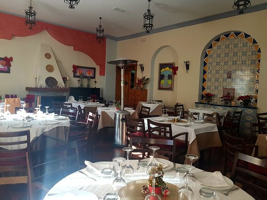 Canillas de Aceituno, إسبانيا: The interior of the restaurant is clean and cosy
