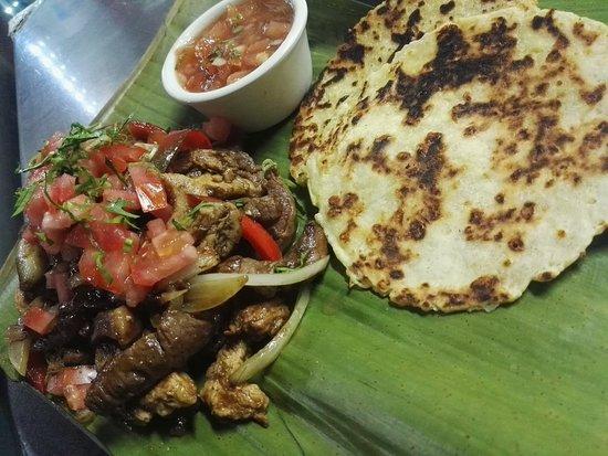 Guapiles, Costa Rica: Tortillas aliñadas arregladas