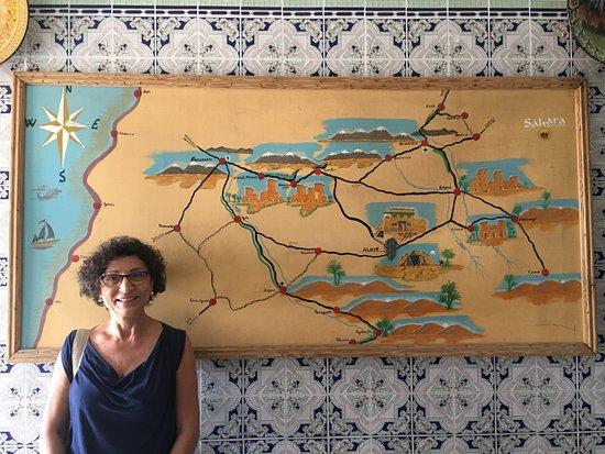 Alnif, Marokko: mappa della zona nel corridoio del ristorante