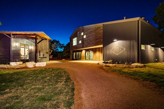 Driftwood, TX: Main entrance with Tasting Room (left) and Brewery (right)