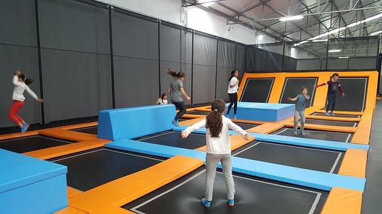 Jumpers: Muito divertido a um local para todos, adultos e crianças. Excelente staff. Parabéns.