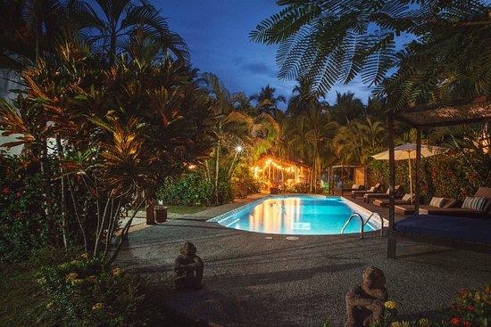 Esterillos Este, Costa Rica: Pool Night Shot