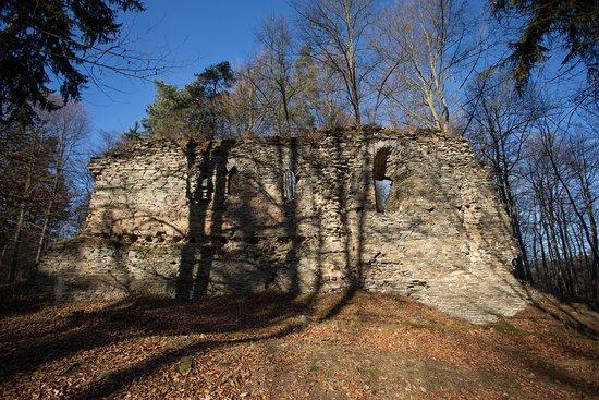 Karluv hradek