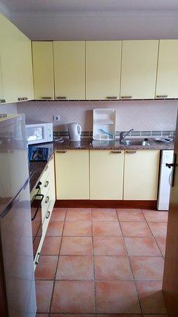 Colina da Lapa Resort: the kitchen