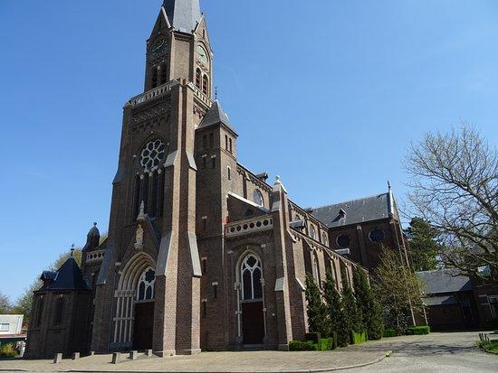 "*Grote Bavokerk Heemstede uit 1879 van architect Evert Margry"""