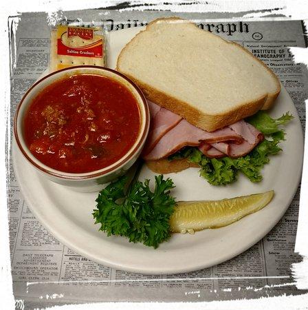 Pequot Lakes, MN: Sandwich time!