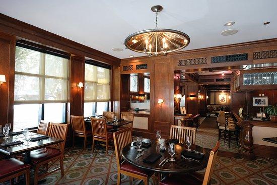 Berkeley Hotel Richmond Va Review Of The Cobblestone Bar