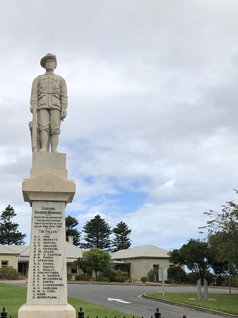 The Goolwa Soldiers Memorial monument