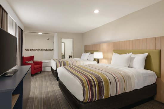 Pool - Picture of Country Inn & Suites by Radisson, Bakersfield, CA - Tripadvisor