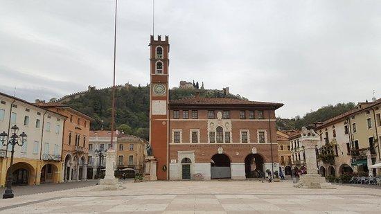 Partita a Scacchi di Marostica a personaggi viventi: 20180415_153656_large.jpg