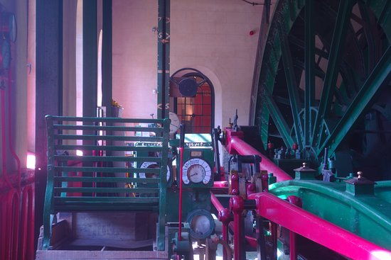 New Tredegar, UK: Winding Engine Wheels