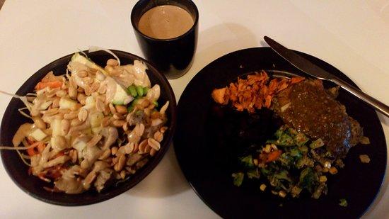 Glo : Thai Bowl + Spinach Lasagne