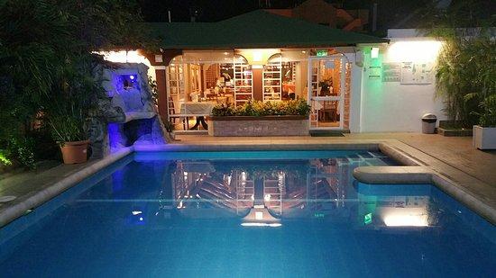 Balandra Hotel: 20180418_203214_large.jpg