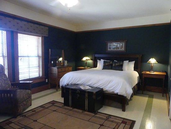 McCloud hotel room