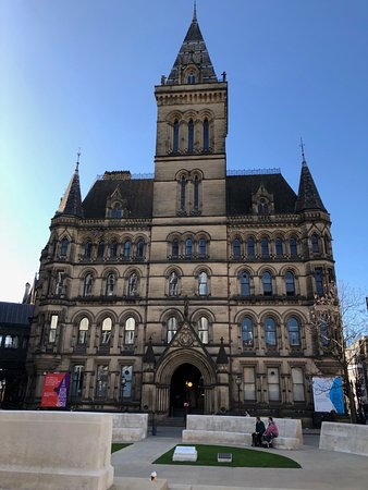 Manchester Town Hall: front view