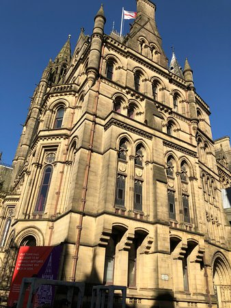Manchester Town Hall: side view