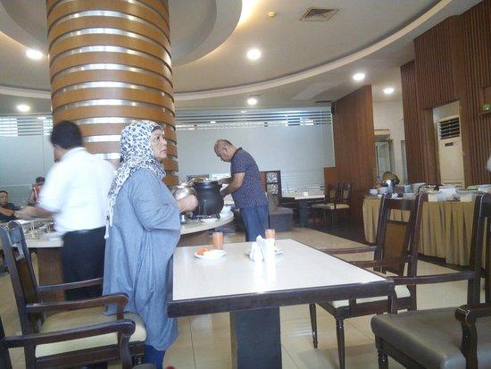 Kedaton Hotel: TA_IMG_20180425_073136_large.jpg
