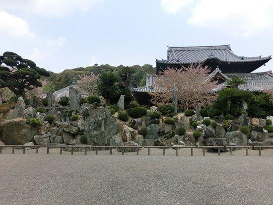 Kinokawa, Japan: 独特の庭園です
