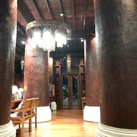 The Rim Resort: photo1.jpg