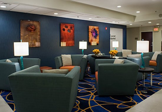 Fairfield Inn & Suites Lancaster : Lobby