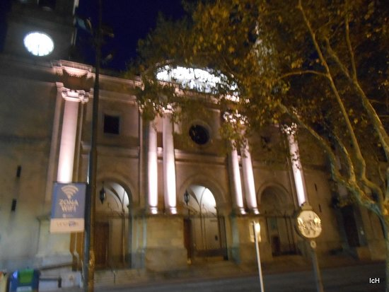 Matriz Katedrali: Catedral Metropolitana à noite
