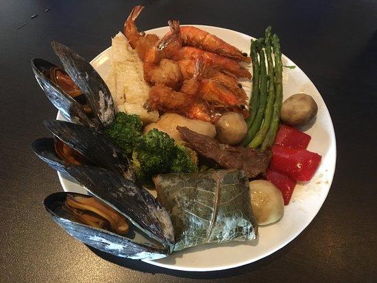 Franklin, WI: Sticky rice, shellfish, shrimp - tasty!
