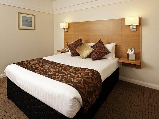Blackrod, UK: Guest room