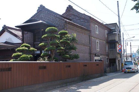 Wakaki Shoten