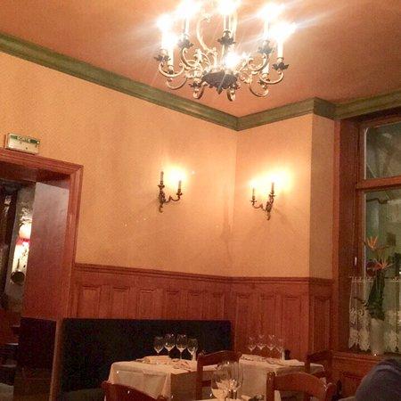 la petite chaise paris saint germain des pr s restaurant reviews phone number photos. Black Bedroom Furniture Sets. Home Design Ideas
