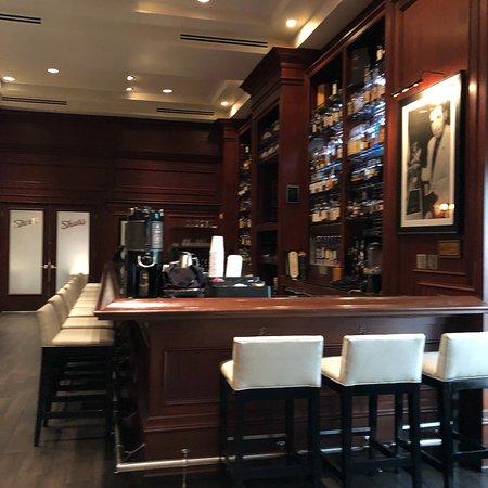 Hilton Naples: photo1.jpg