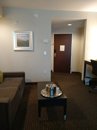 Comfort Suites Miami Airport North: IMG_20180424_142224_large.jpg