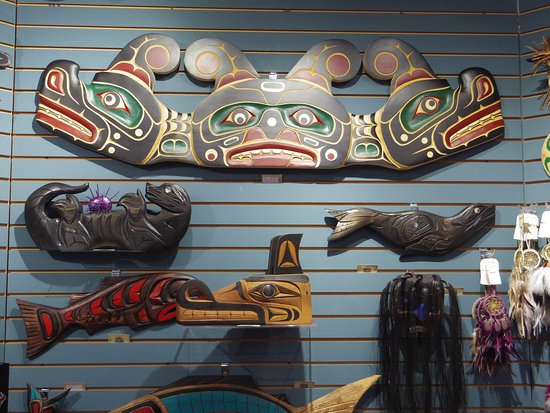 Campbell River, Canada: CARVINGS