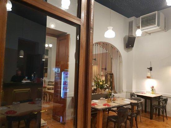 Άμα Λάχει: Ama Lachei at Nefeli's