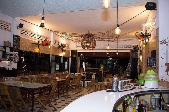 Long Hai, Vietnam: Inside restaurant - không Gian Trong Nhà Hàng