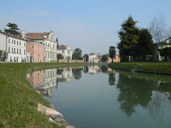 Hotel La Rescossa: In riva al fiume Brenta - Mira
