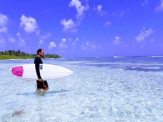 Meemu Atoll: Surfing