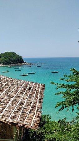 Freedom Beach : вид на пляж сверху