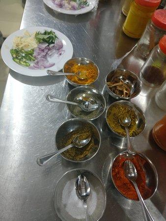 Talalla, Шри-Ланка: Different Spices