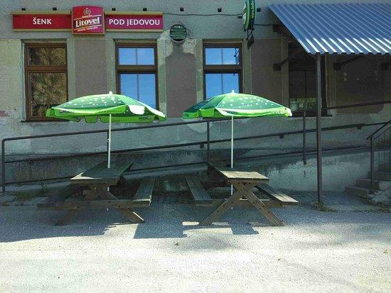 Dolany, République tchèque: Pohled ze předu, budova Kulturního domu Pohořany