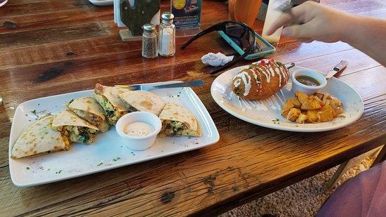 Mango Café Isla: Breakfast Quesadillas